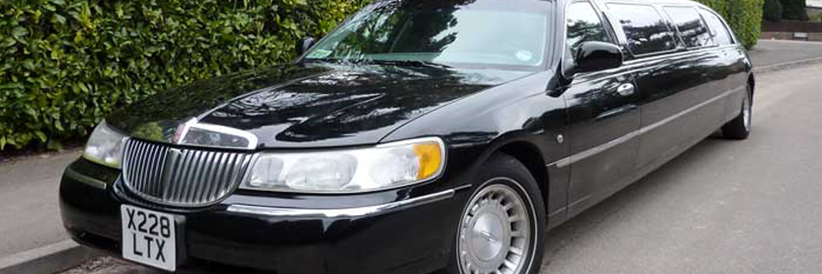 Black Town Car Limo 1