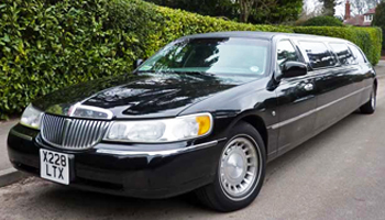 Black Lincoln Town Car Limo Hire London Herts and Essex