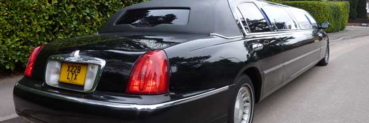 Black Town Car Limo 2